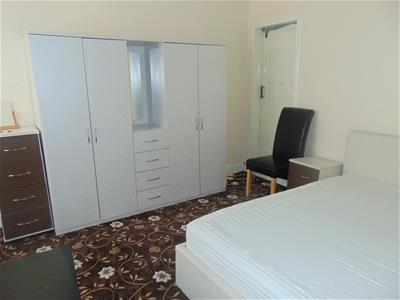 Ground floor apartment - bedroom